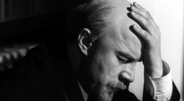 Lenin'in Ofisinde Bir Saat